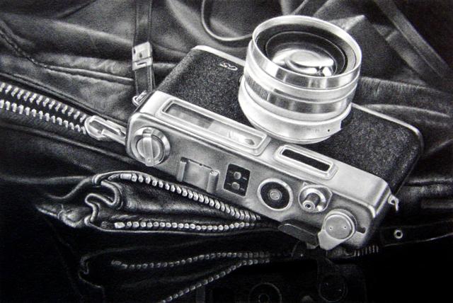 細密鉛筆画、カメラ